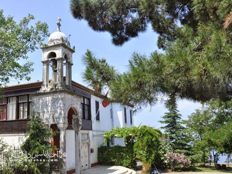 میگویند کلیسای ایایورگی در ابتدا صومعه بوده و بعدها به کلیسا تبدیل شده است.