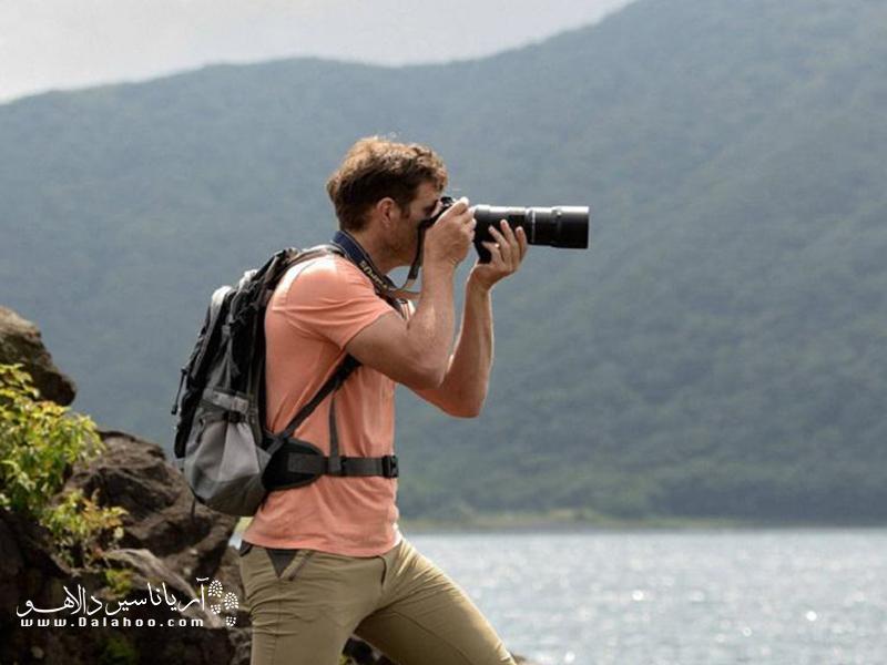 به نظرتان  دوربین عکاسی برای طبیعتگردی چه ویژگیهایی دارد؟