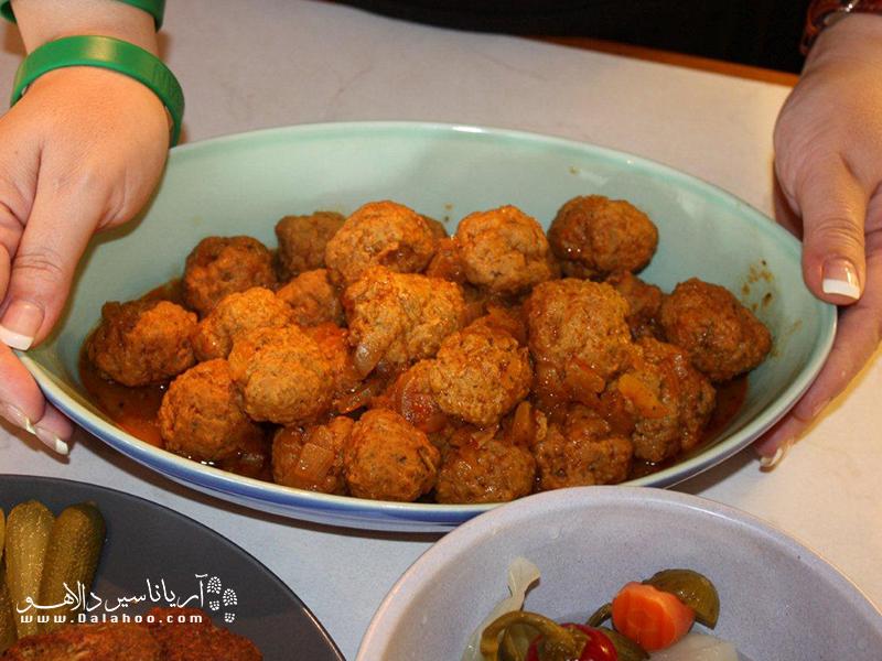 چشیدن قیمه ریزه، غذای سنتی اصفهان را از دست ندهید.