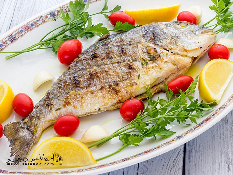 اگر در محل اقامت شما، فصل ماهی است و میخواهید ماهی تهیه کنید، باید دقت داشته باشید ماهی باردار نباشد.