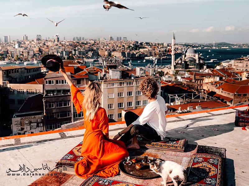ماههای اکتبر و آوریل خلوت ترین و خوش آب و هوا ترین زمان سفر به ترکیه هستند.