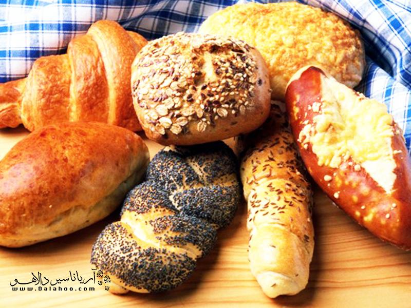 نانوایی و انواع نان فانتزی در ترکیه.