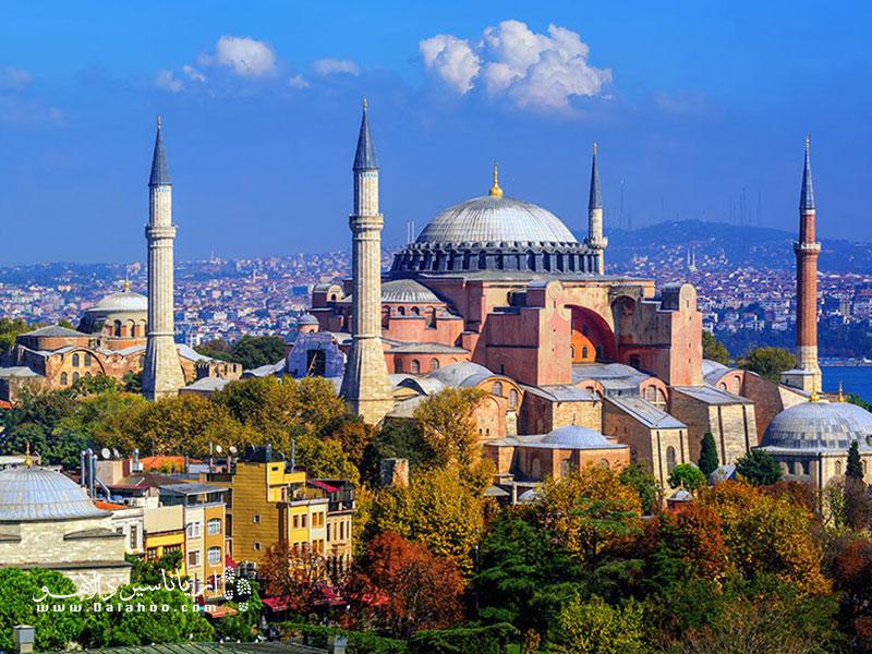 ترکیه در پاییز کشور رنگهاست.