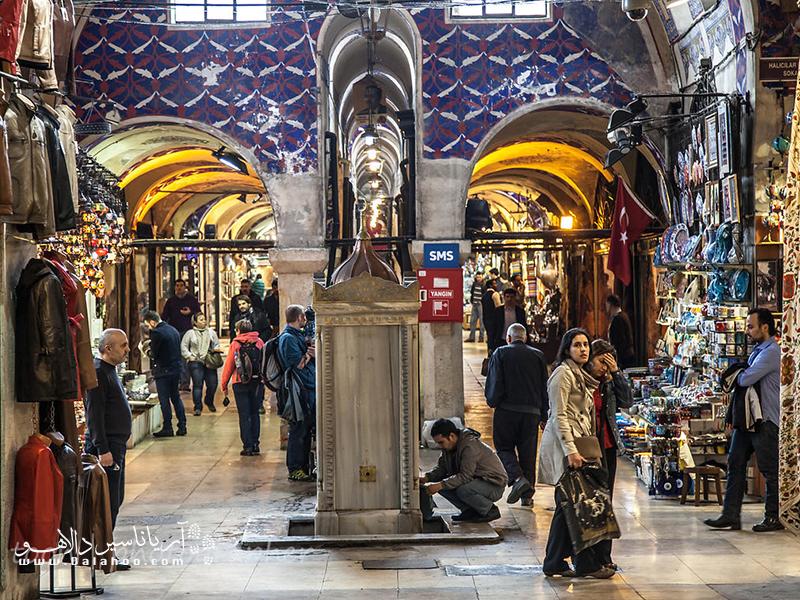 معماری سنتی بازار بزرگ استانبول.