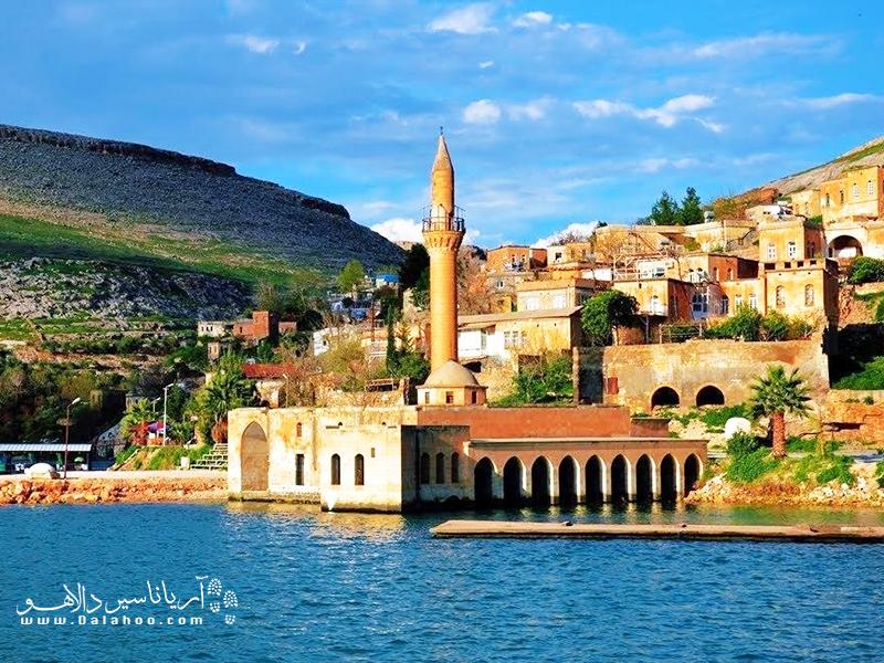 شانلی اورفا واقع در شرق ترکیه، حال و هوایی خاورمیانهای دارد.