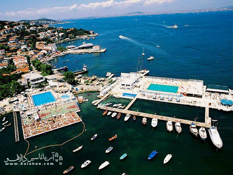 بورگازآدا سومین جزیره بزرگ از مجموعه جزایر پرنس است.