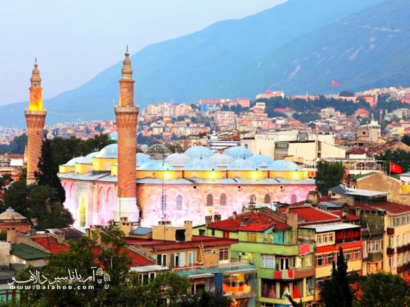 مسجد جامع بورسا بسیار دیدنی است.