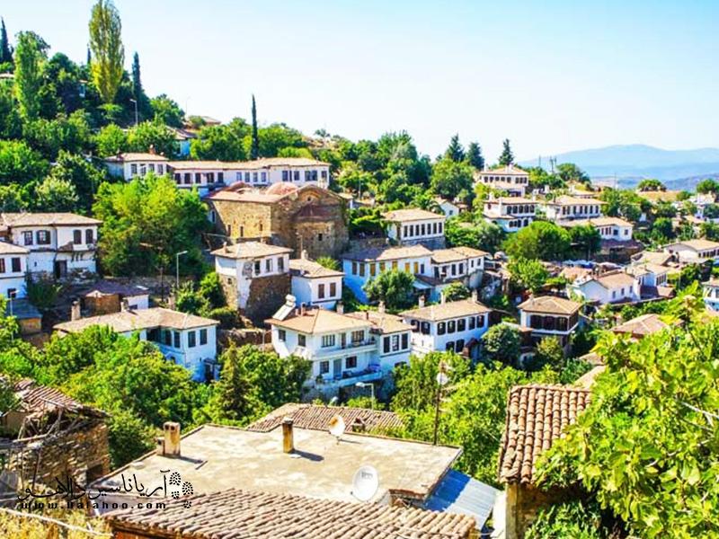 نمایی از روستای شیرینجه.