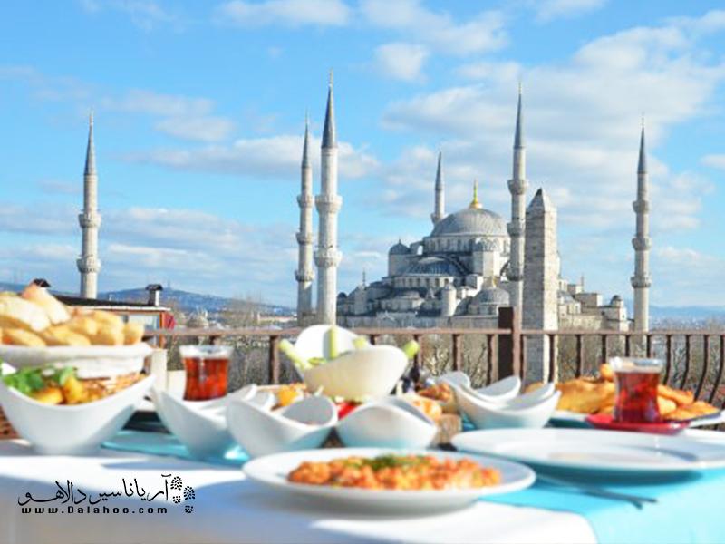 در سفر به استانبول میتوانید انواع هتل با امکانات و رنج قیمت متفاوت برای اقامت پیدا کنید.