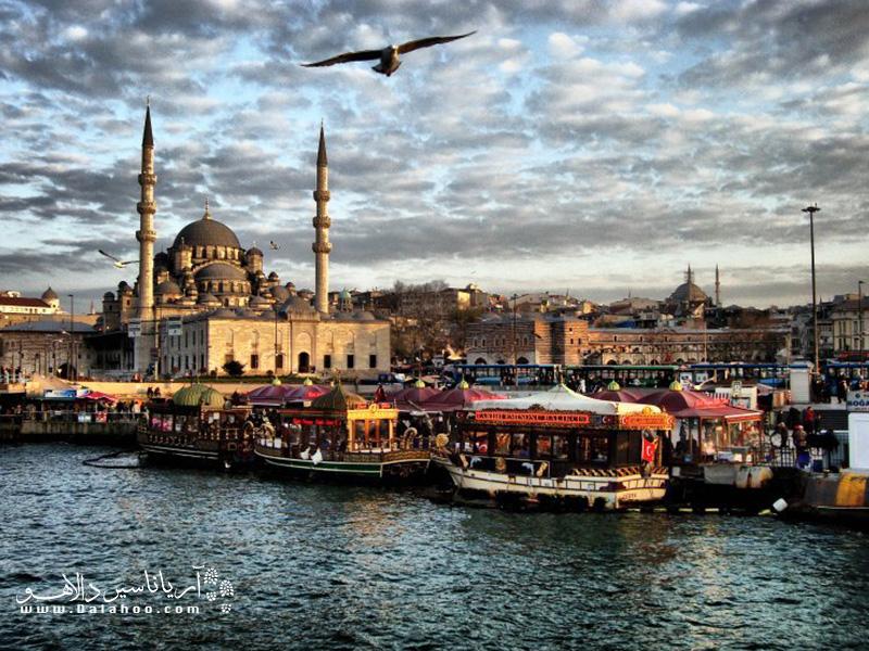 منظره امینونو در استانبول.