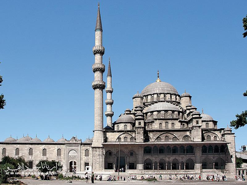 مسجد محله امینونو، سومین مسجد جامع بزرگ استانبول و یادگار عصر عثمانی در امینونوی استانبول است.