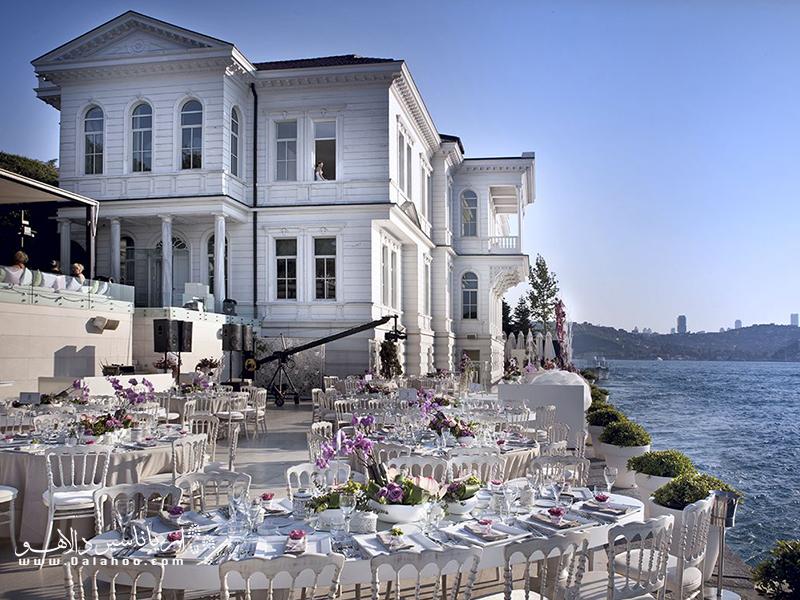 یک روز رویایی و رمانتیک یا اختتامیه یک سفر بسیار دلچسب در استانبول، میتواند صرف صبحانه یا ناهار در رستوران آجیا باشد.