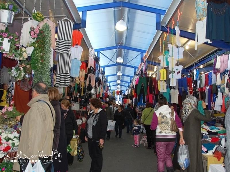 در میان بازارهای هفتگی استانبول، بازار یشیلکوی (Yeşilköy) یکی از بازارهای معروف استانبول است.