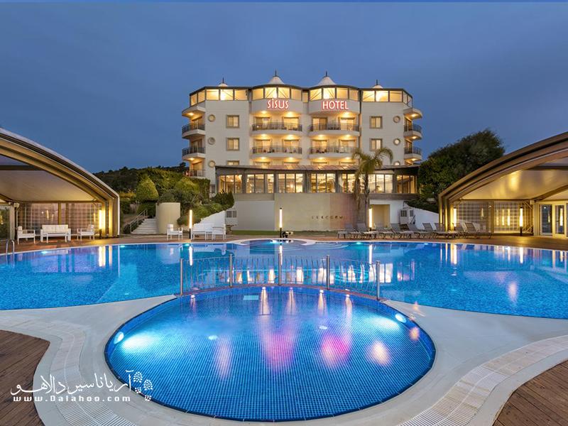 یکی از هتلهای خوب چشمه ترکیه، هتل Sisus از هتلهای چهارستاره چشمه است.