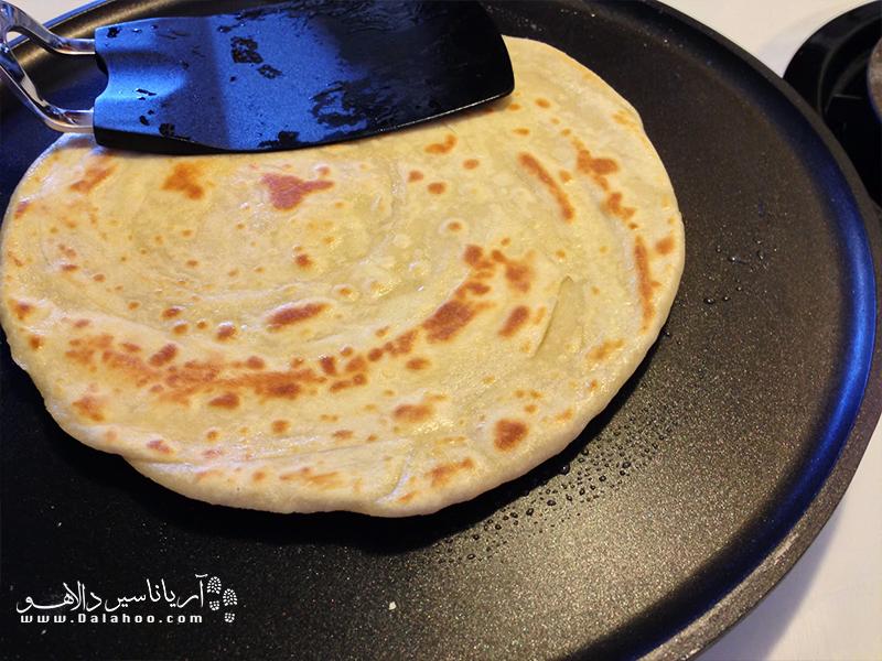 این نان از هندوستان به کنیا رسیده و حالا حسابی در میان مردم این کشور محبوب است.