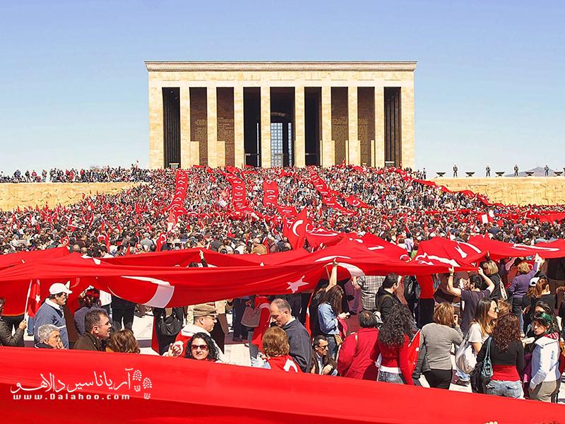 آتاتورک در فرهنگ و قلب مردم ترکیه بسیار جا دارد.