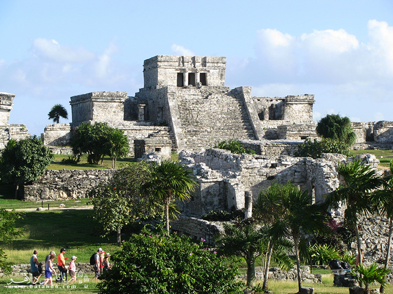 نمای دیگری از قلعه باستانی تولوم