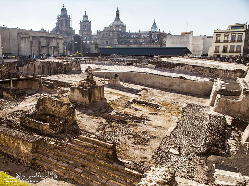 معبد مایور، نشاندهنده هنر معماری قوم آزتک، در مکزیکوسیتی قرار دارد.