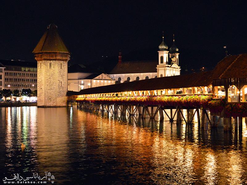 برای قدم زدن روی این پل زیبا برای گرفتن ویزای سوئیس اقدام کنید.