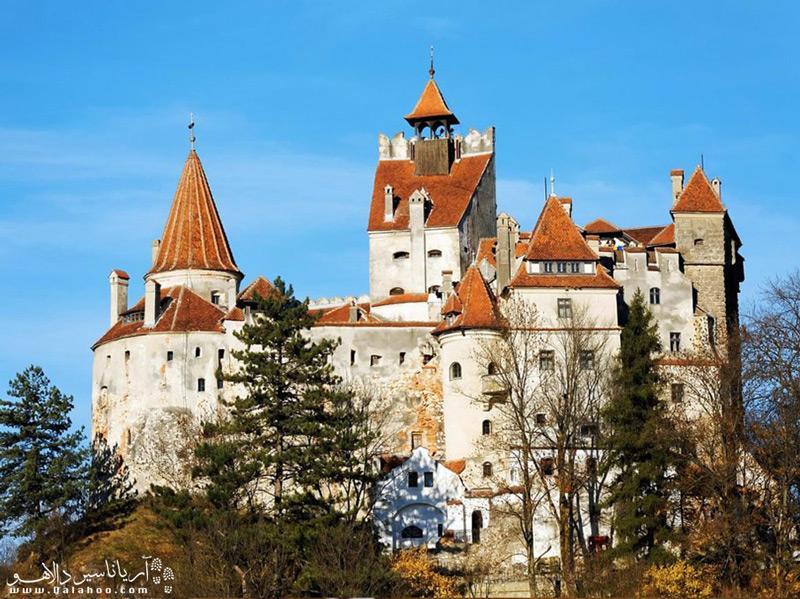 اگر مشتاق دیدن قلعهای که داستان دراکولا در آن اتفاق افتاده هستید، به رومانی سفر کنید.