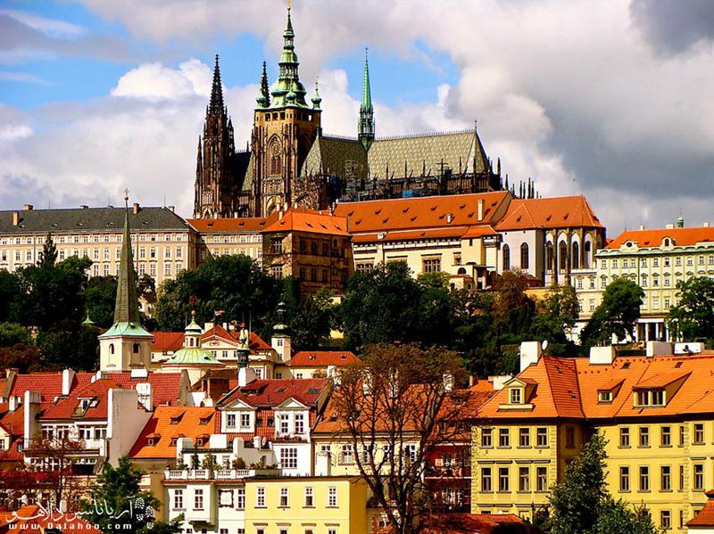برای دیدن قلعه پراگ، بزرگترین مجموعه قلعه جهان به ویزای چک نیاز دارید.