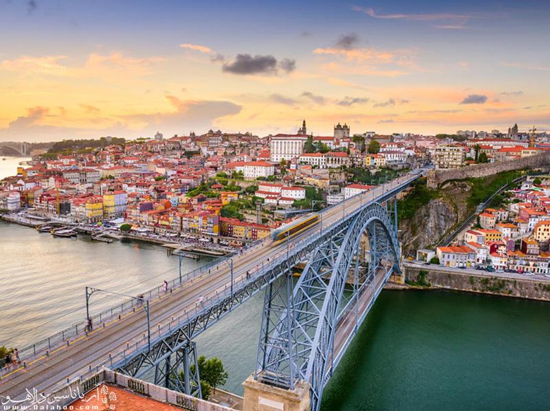 برای قدم زدن در خیابانهای زیبای لیسبون به ویزای پرتغال نیاز دارید.